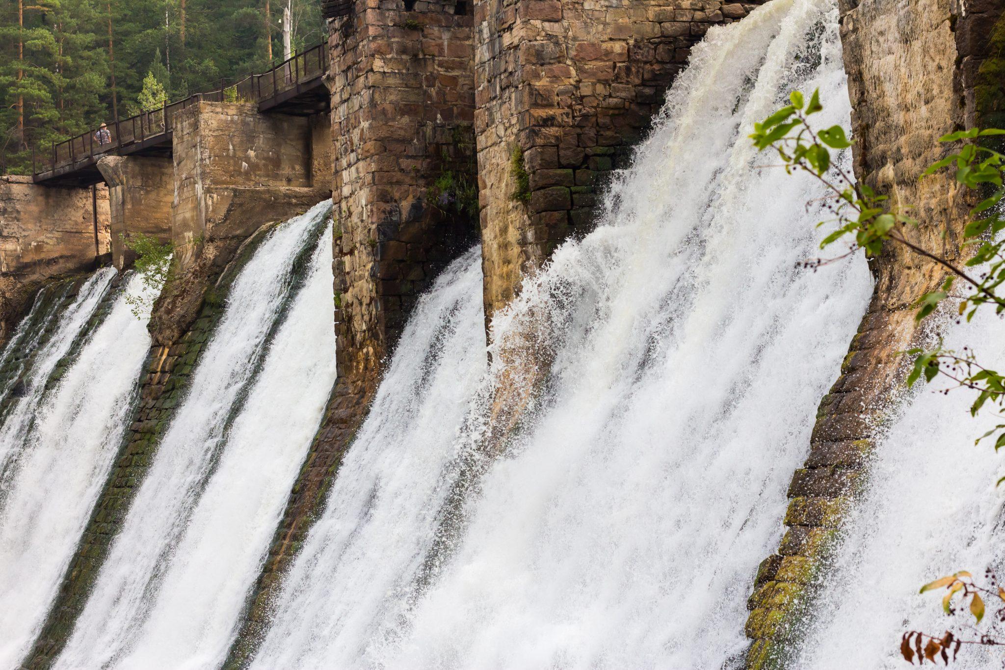 Vodním elektrárnám se letos daří