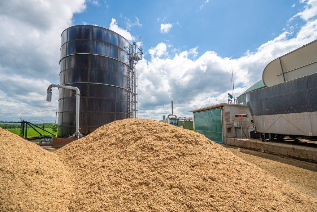 Zelená biomasa, kukuřičná siláž a kejda pochází od zemědělců z blízkého okolí.